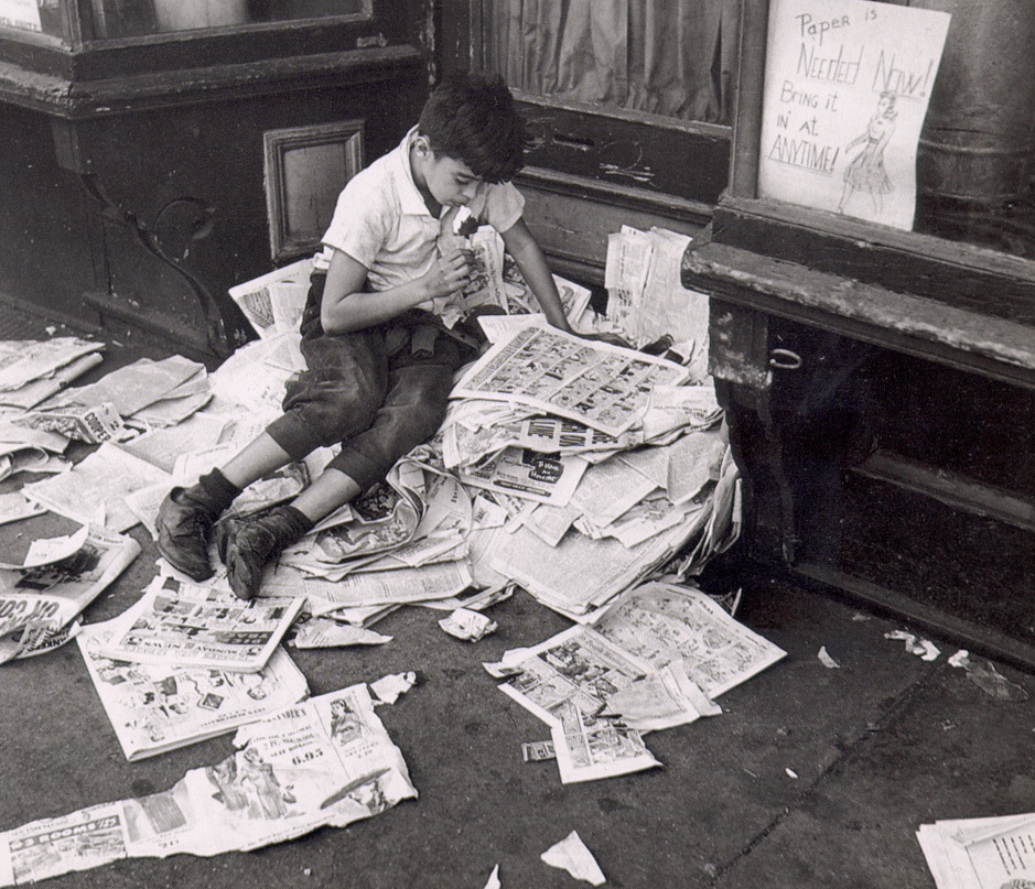https://francisanderson.files.wordpress.com/2009/08/kertesz-newspapers.jpg
